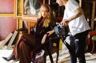 Beberapa fakta terkait single 'Easy on me' Adele